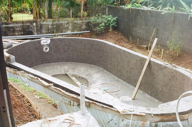 Crepis int rieur construction de notre piscine for Construction piscine 974