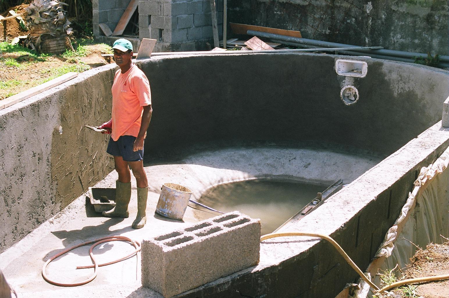 Cr pis fin construction de notre piscine for Construction piscine 974